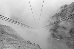 Ropeway de Marmolada Photographie stock libre de droits