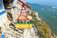 Ropeway do cabo aéreo Miskhor - do Ai-Petri em Crimeia Imagem de Stock Royalty Free