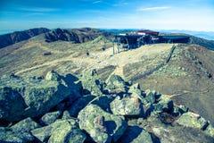 Ropeway Funitel chez bas Tatras, Slovaquie Photographie stock libre de droits