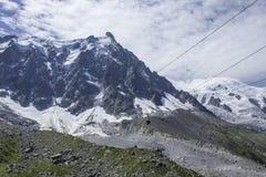 Ropeway till Aiguille du Midi Fotografering för Bildbyråer