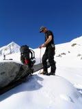 Roping vers le haut pour le glacier photographie stock libre de droits