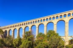 Roquefavour historisk gammal akveduktgränsmärke i Provence, Frankrike. Royaltyfria Bilder