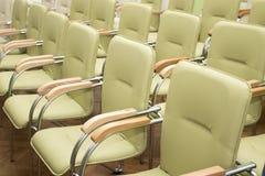 Ror av stolar Arkivbilder