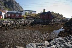 Rorbu, casas tradicionais norueguesas do pescador, Lofoten Imagens de Stock Royalty Free