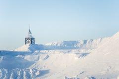 Roros教会一个美丽的塔在中央挪威 世界遗产名录站点 免版税库存图片