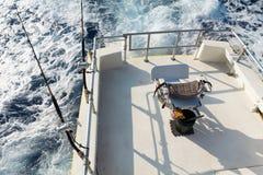 Ros e os carretéis estabelecem-se no trilho do barco Fotografia de Stock Royalty Free