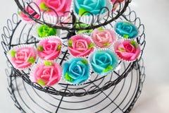 Rosa aalaw för thailändsk form för efterrätt söt, färgrik tjusning Arkivbild