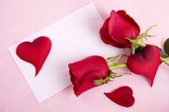 Rosa & cartão Imagens de Stock Royalty Free
