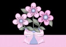 Rosa blommor i blå blommakrukabakgrund Arkivbilder