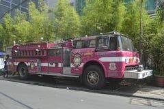 Rosa brandlastbil Arkivfoton