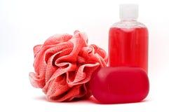 Rosa del bagno, gel dell'acquazzone e barra del sapone Immagini Stock