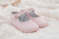 Rosa delle scarpe di cuoio del bambino Fotografia Stock Libera da Diritti