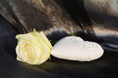 Rosa e coração imagens de stock royalty free