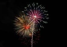 Rosa e fuochi d'artificio dell'oro sopra Alessandria d'Egitto, Va 2018 fotografia stock libera da diritti