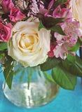 Rosa e mazzo di alstroemeria Immagini Stock Libere da Diritti