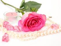 Rosa e velas do rosa foto de stock royalty free