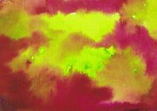 Rosa exhausto del extracto de la acuarela de la mano y tinta verde clara que salpican el fondo fotografía de archivo