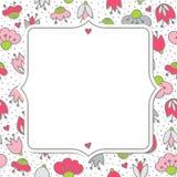 Rosa färgblommor och hjärtor på vit med det retro ramkortet Arkivfoto