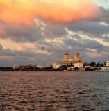 Rosa färgen fördunklar över Palm Beach Fotografering för Bildbyråer
