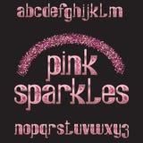 Rosa färgen mousserar stilsort Den guld- steg att blänka stilsorten Isolerat utsmyckat engelskt alfabet stock illustrationer
