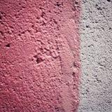 Rosa färgmålarfärg på konkret yttersida vektor för ramillustrationtext Fotografering för Bildbyråer
