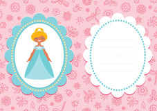Rosa födelsedagkort med den gulliga blonda prinsessan Fotografering för Bildbyråer