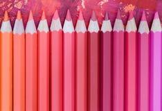 Rosa farbige Bleistifte Stockbild