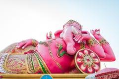 Rosa Ganesha staty på Saman Rattanaram Temple, Chachoengsao landskap, Thailand Arkivbilder