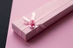 Rosa Geschenkbox Rote Rose Lizenzfreie Stockbilder
