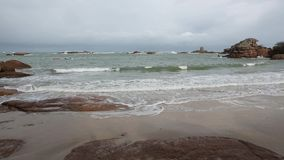 Rosa Granit-Küste, Frankreich stock video footage
