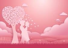 Rosa Herz zwei Paare, die unter Baum der Liebe stehen Stockbild