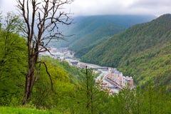 Rosa Khutor Alpine Resort, Sotchi, Rusland - mag, 2016 stock afbeelding