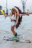 ROSA KHUTOR, SOTCHI, RUSSIE 30 MARS 2018 : Descente dans des costumes de carnaval Photos stock