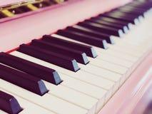 Rosa Klavier lizenzfreie stockfotos