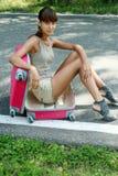 Rosa Koffer auf Reisen Stockfoto