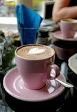 Rosa kopp av cappuccino Royaltyfria Bilder
