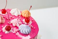 Rosa Kuchen verziert Lizenzfreie Stockfotografie