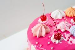 Rosa Kuchen verziert Lizenzfreies Stockbild