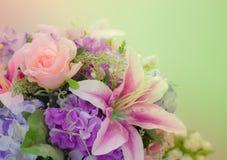 Rosa lilja för bakgrund royaltyfri fotografi