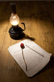 Rosa, manuscrito e lâmpada Fotos de Stock Royalty Free