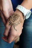 Rosa na mão Foto de Stock Royalty Free