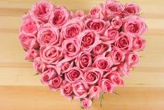 Rosa nella figura di amore Immagini Stock Libere da Diritti