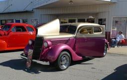 Rosa och guld- medel, antikvitet, på bilshowen Arkivbilder