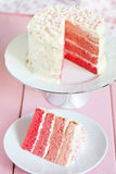 Rosa Ombre tårta Arkivfoton