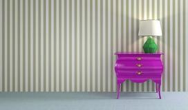 Rosa retro commode med den gröna lampan Arkivfoton