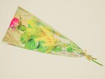 Rosa retro do vermelho do olhar e flor da mimosa Imagens de Stock
