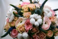 rosa ro f?r bukett royaltyfri foto