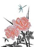 Rosa Rosen und Libelle stockfoto