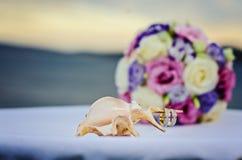 rosa royellow för fokusförgrund för 3 bukett bröllop Royaltyfri Foto