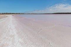 Rosa Salzkruste See Becking, Australien lizenzfreies stockfoto